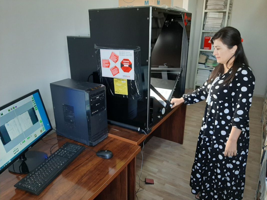 book2net Falcon V-shape bookscanner at the Ministry of Justice of Uzbekistan